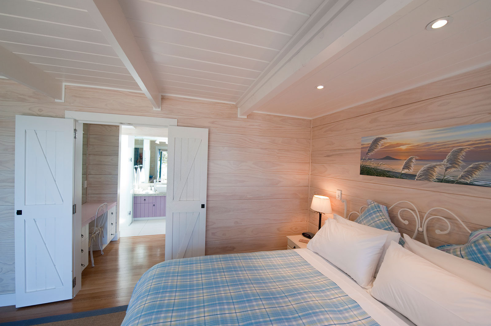 sunset bedroom and ensuite holiday accommodation coopers beach